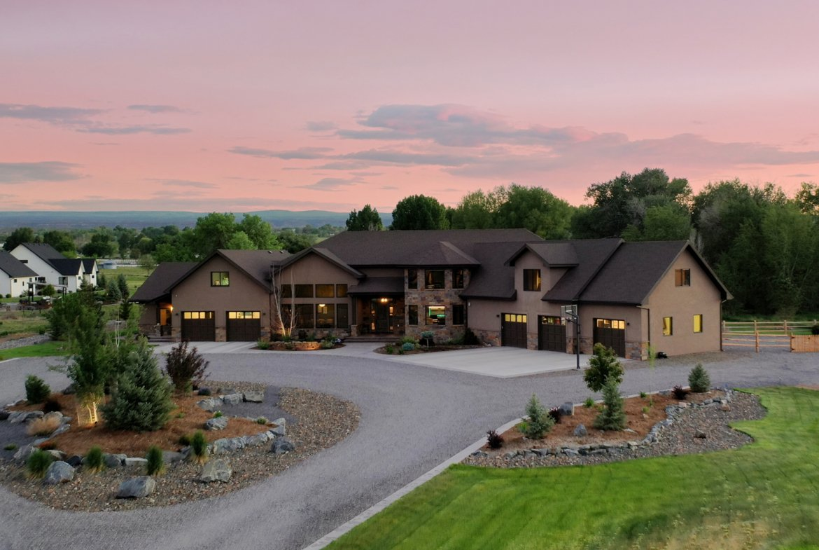 Extensive Landscaping - 15067 6140 Ln Montrose, CO 81403 - Atha Team Luxury Real Estate