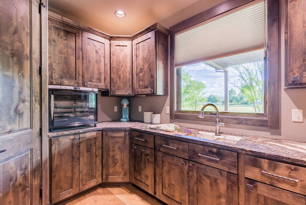 Butlers Pantry - 15067 6140 Ln Montrose, CO 81403 - Atha Team Luxury Real Estate
