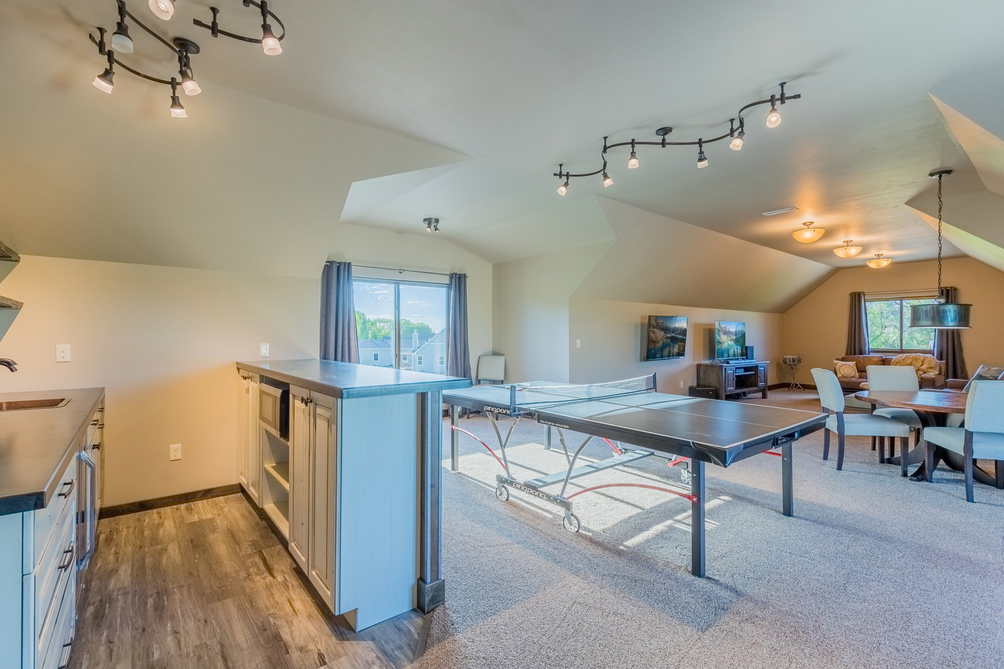 Family Game Room - 15067 6140 Ln Montrose, CO 81403 - Atha Team Luxury Real Estate