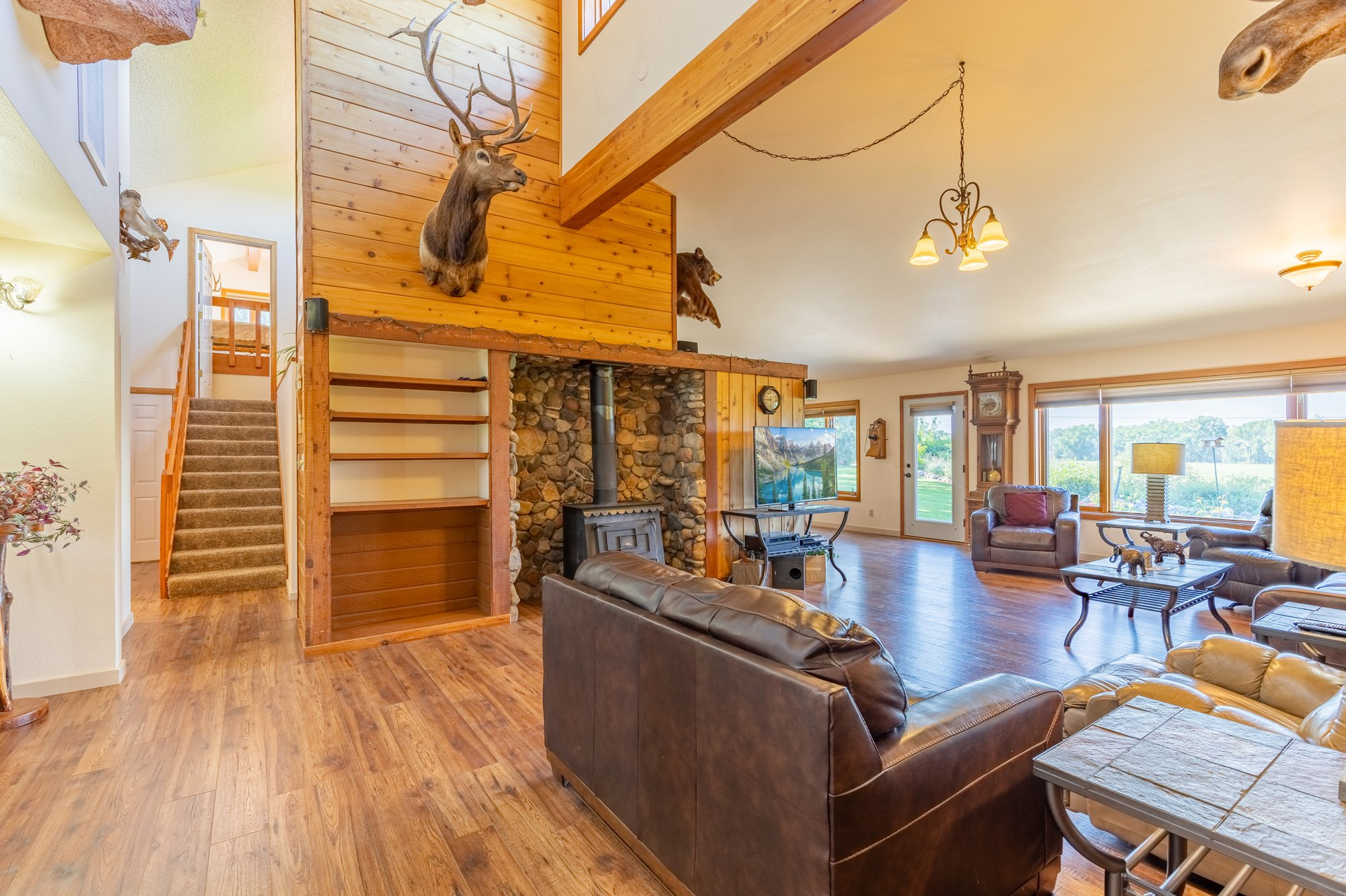 Living Room Built-Ins - 17777 6650 Rd Montrose, CO 81403 - Atha Team Country Real Estate