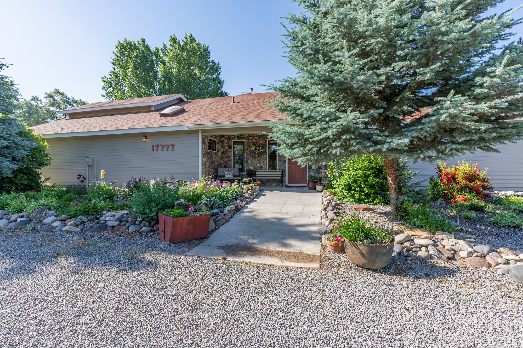 Landscaped Front Entrance - 17777 6650 Rd Montrose, CO 81403 - Atha Team Country Real Estate
