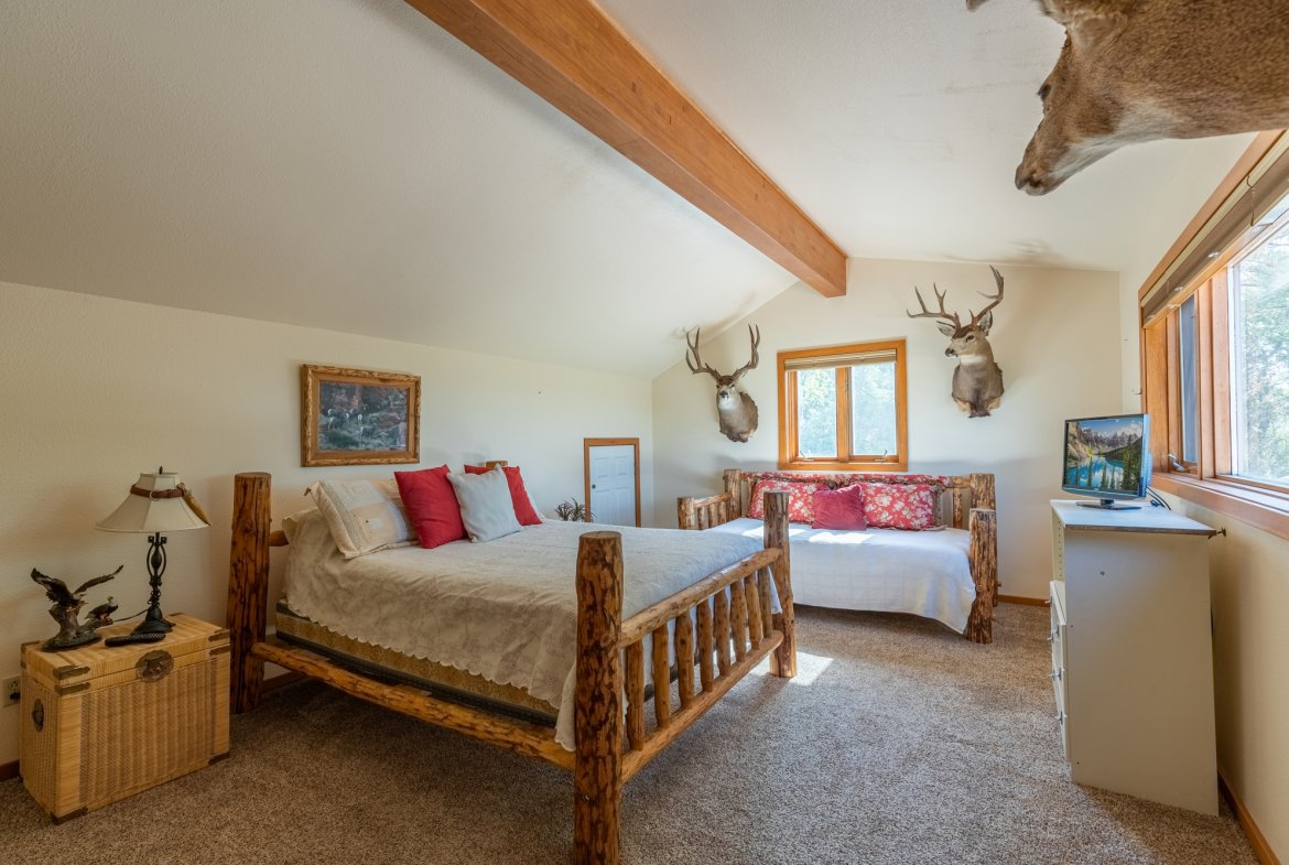 Upstairs Bedroom - 17777 6650 Rd Montrose, CO 81403 - Atha Team Country Real Estate