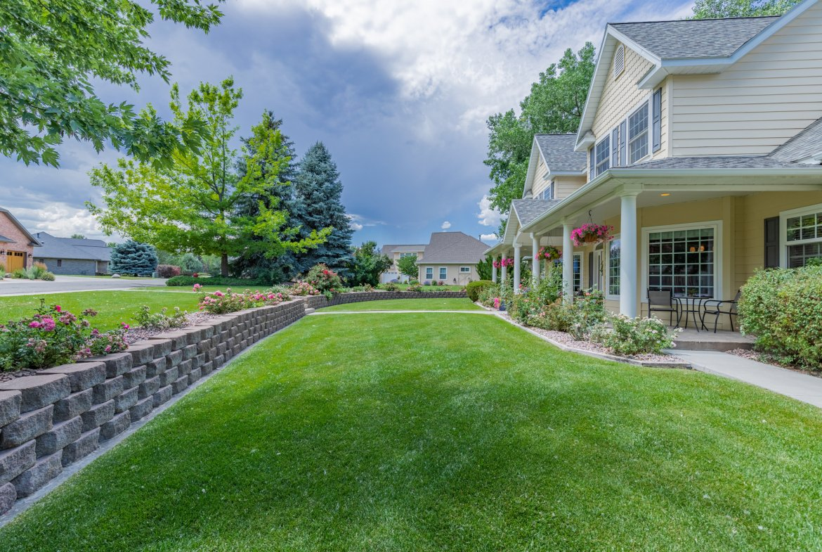 Landscaping and Stonework - 2049 Brook Way Montrose, Co 81403 - Atha Team Luxury Real Estate