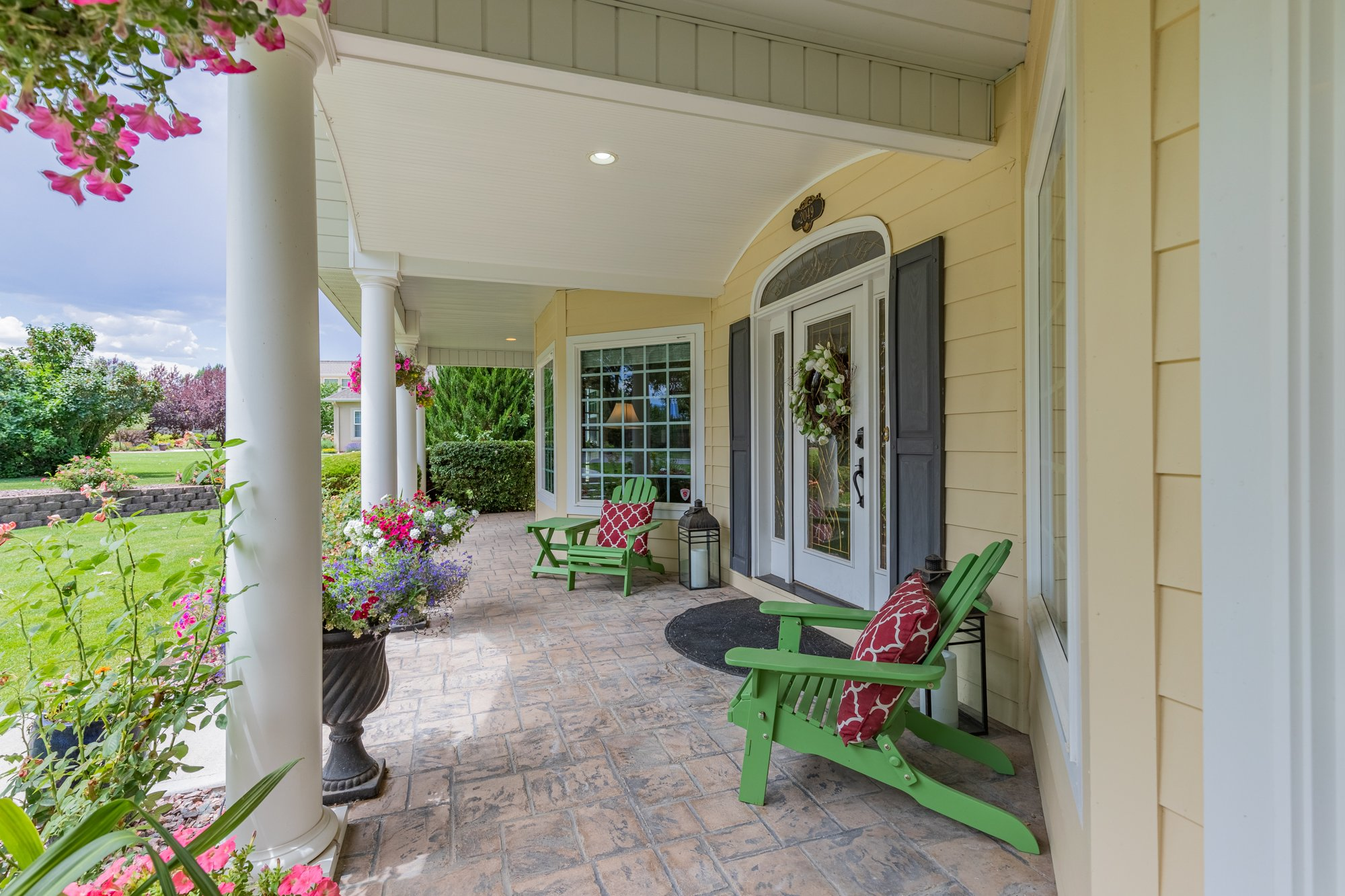 Covered Front Porch - 2049 Brook Way Montrose, Co 81403 - Atha Team Luxury Real Estate