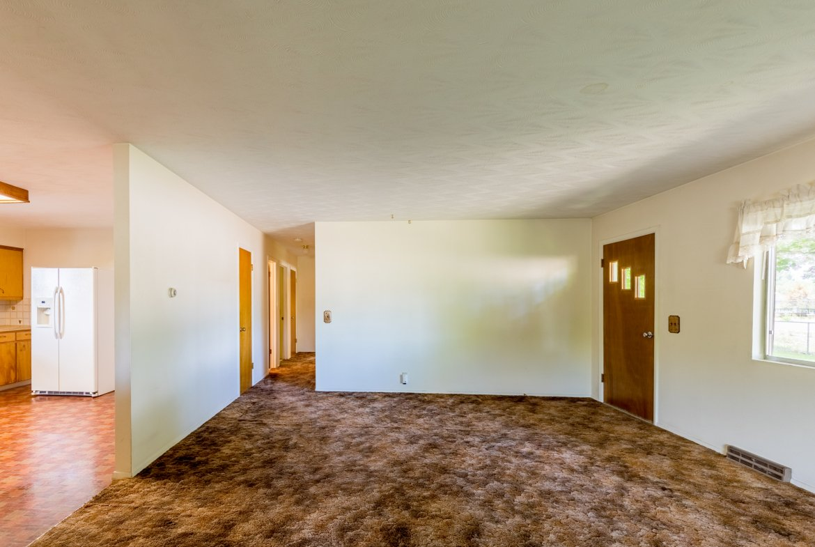 Interior Entry to Hallway - 418 6400 Rd Montrose, CO 81403 - Atha Team Realty