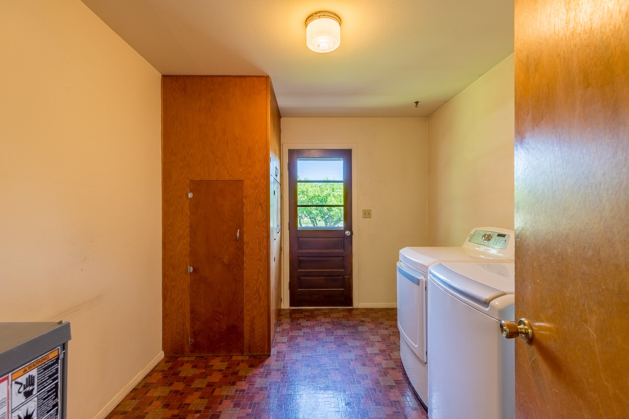 Laundry Room - 418 6400 Rd Montrose, CO 81403 - Atha Team Realty