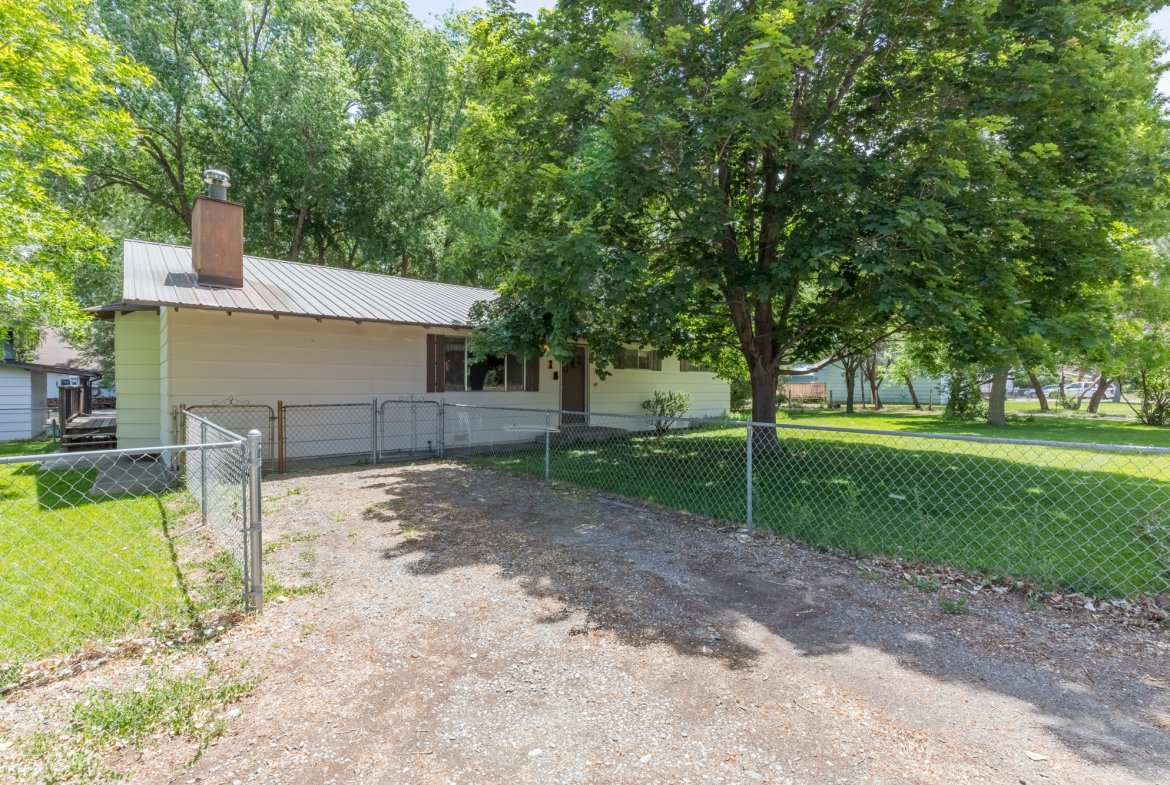 Fully Fenced - 418 6400 Rd Montrose, CO 81403 - Atha Team Realty