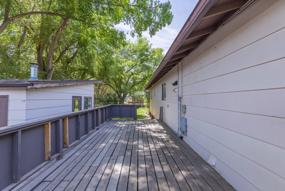 Back Deck - 418 6400 Rd Montrose, CO 81403 - Atha Team Realty
