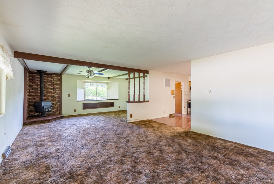 Living Room with Carpet - 418 6400 Rd Montrose, CO 81403 - Atha Team Realty