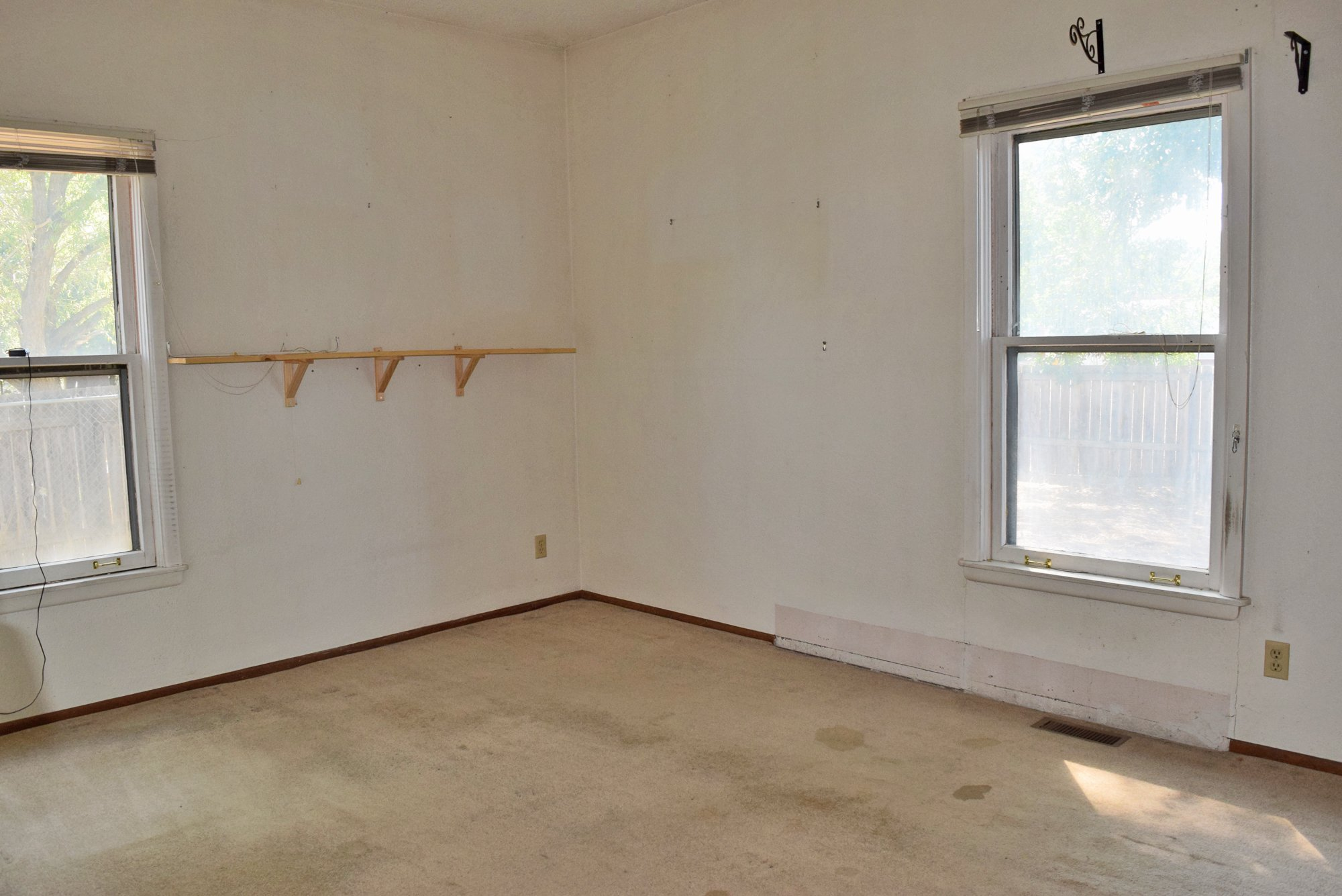 Bedroom with Carpet - 1301 N. 1st St. Montrose, CO 81401 - Atha Team Realty