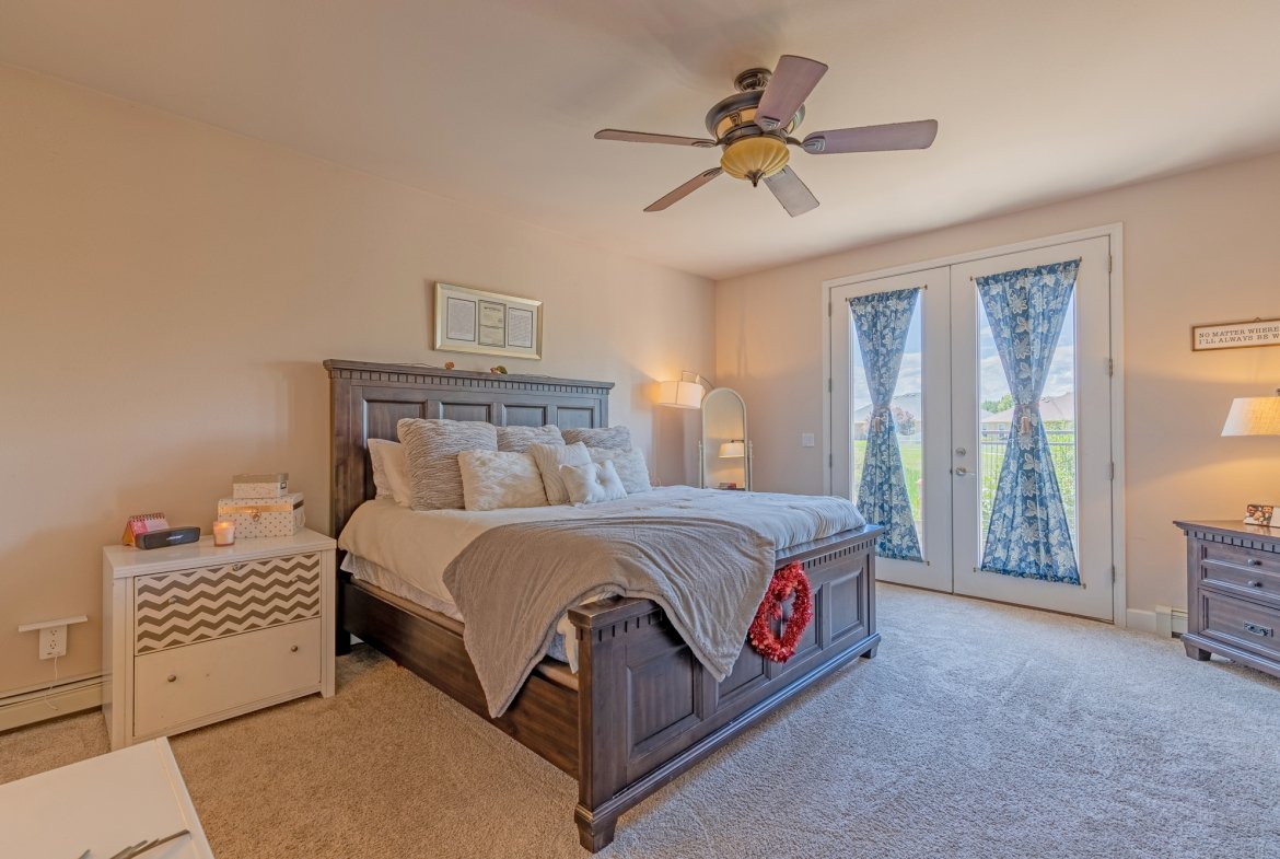 Main Suite with Ceiling Fan - 2924 Lost Creek Rd S. Montrose, CO 81401 - Atha Team Real Estate Agents
