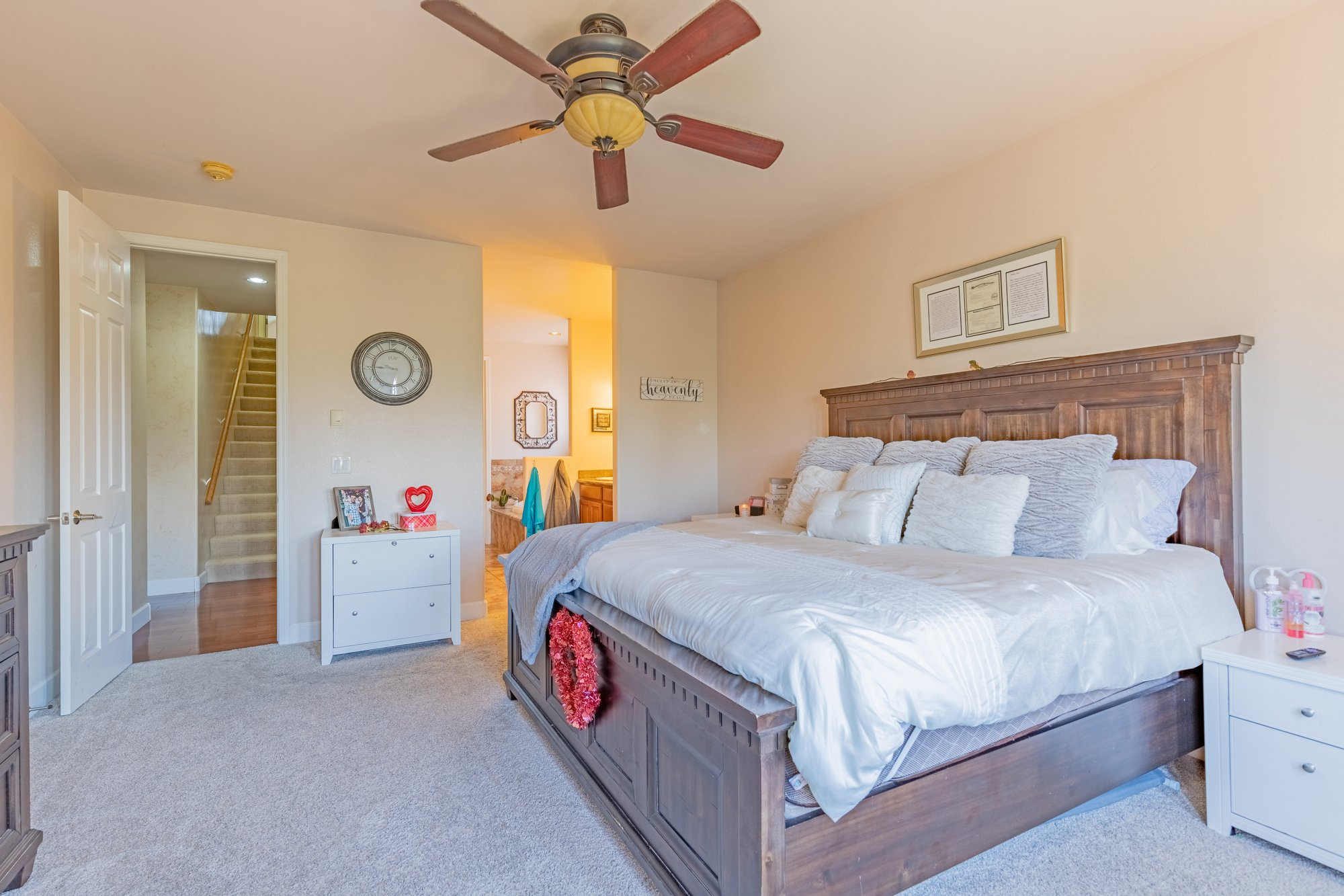 Main Suite with Carpet - 2924 Lost Creek Rd S. Montrose, CO 81401 - Atha Team Real Estate Agents