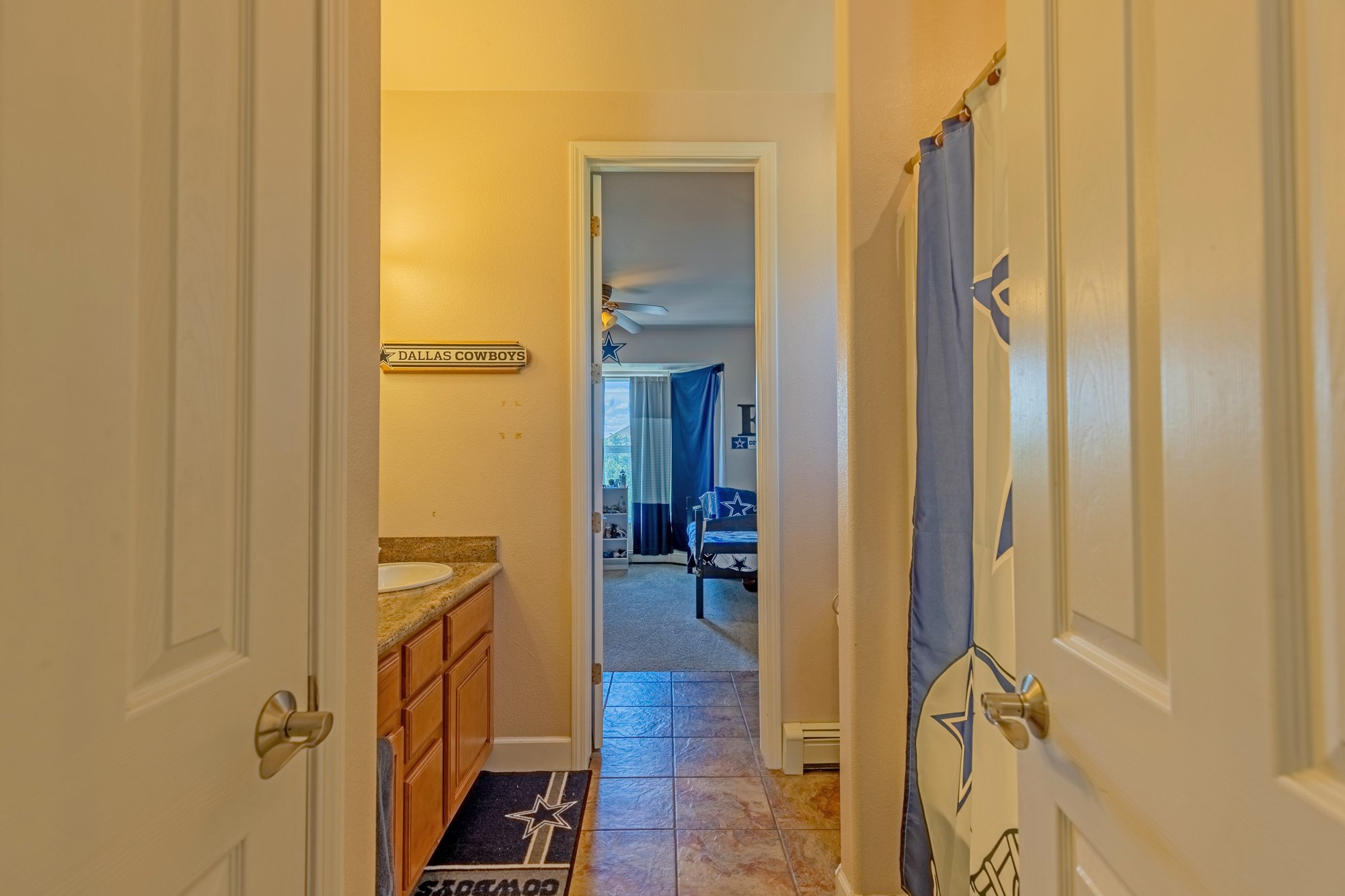 Full Bathroom with Shower - 2924 Lost Creek Rd S. Montrose, CO 81401 - Atha Team Real Estate Agents
