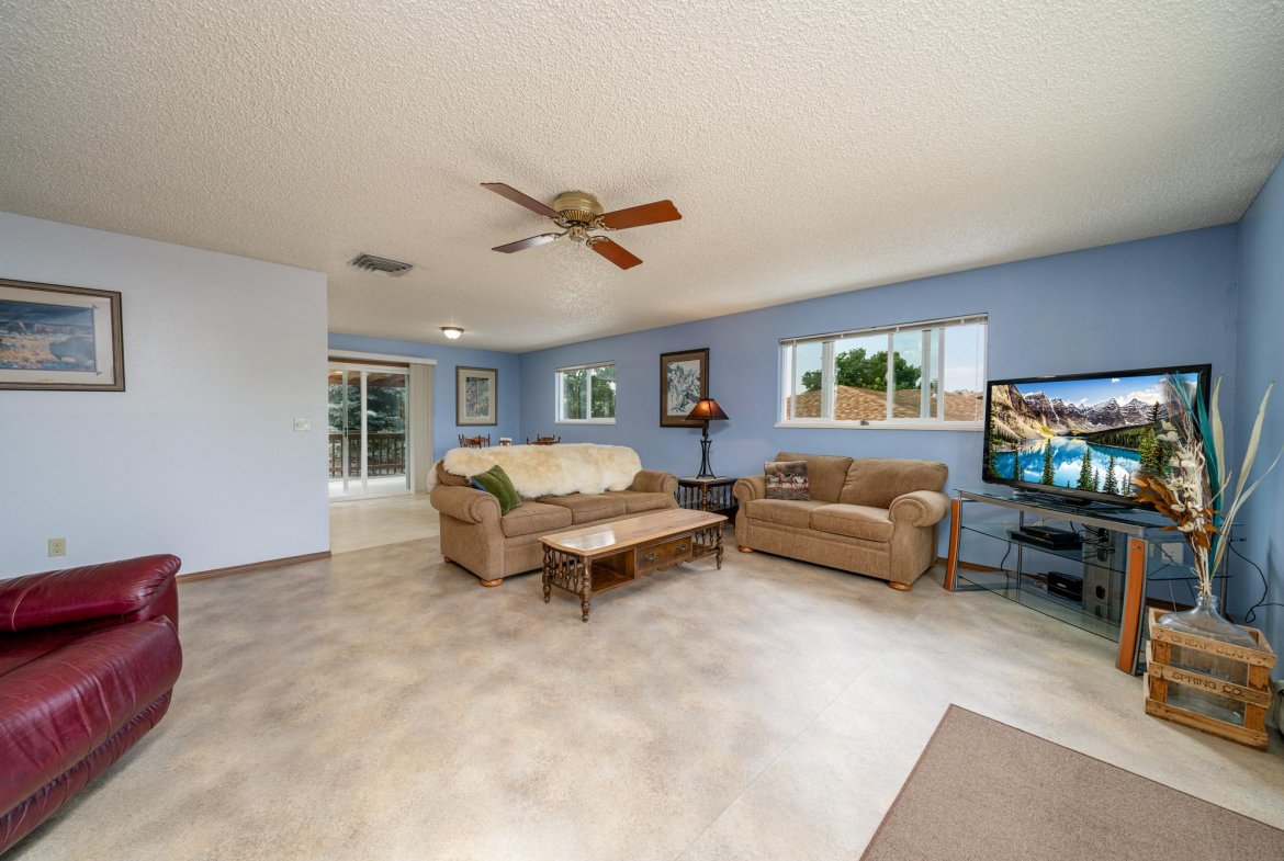 Living and Dining Room - 1311 Manchester Dr Montrose, CO 81401 - Atha Team Realty Agents