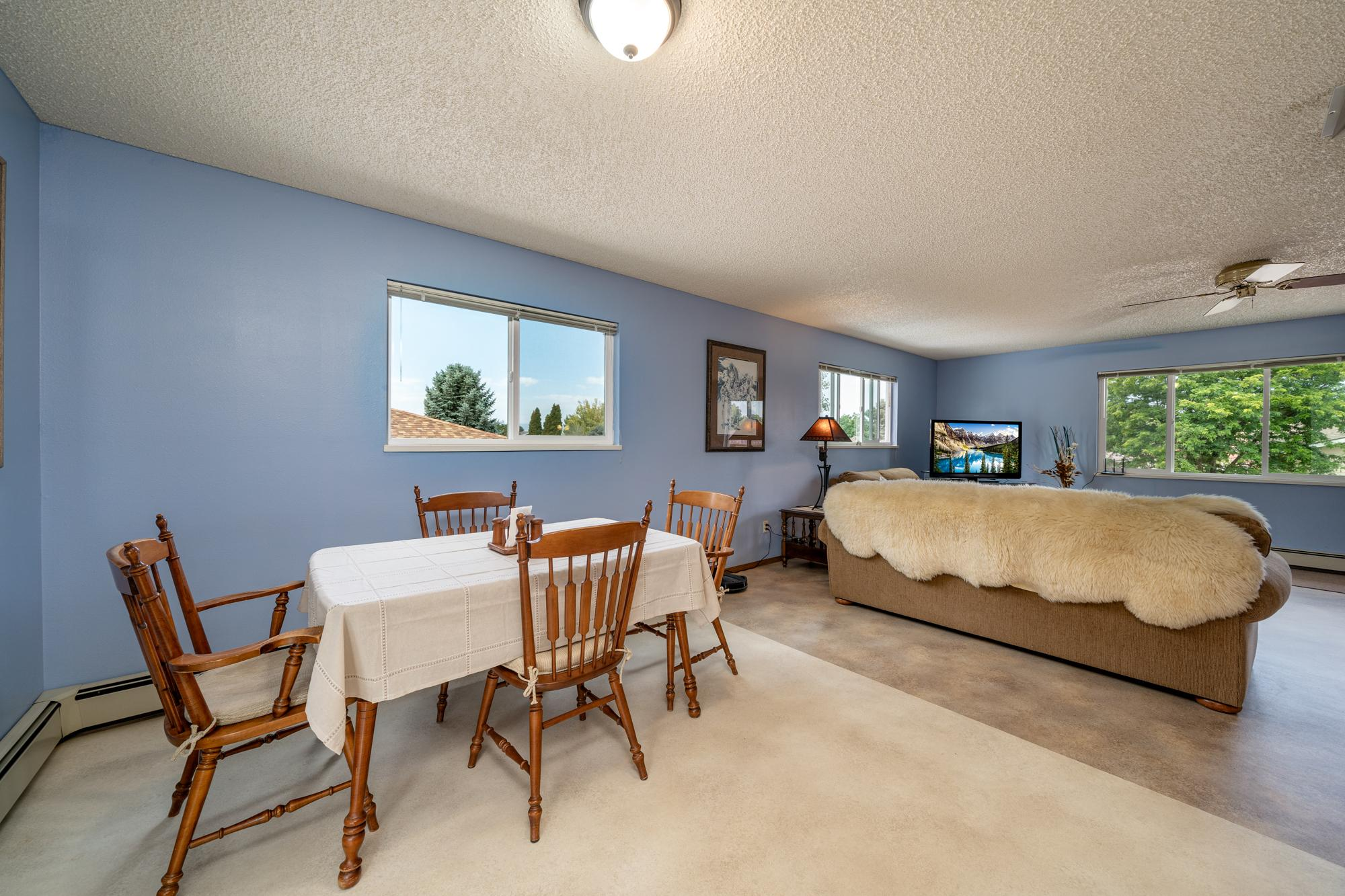 Dining Area with Window - 1311 Manchester Dr Montrose, CO 81401 - Atha Team Realty Agents
