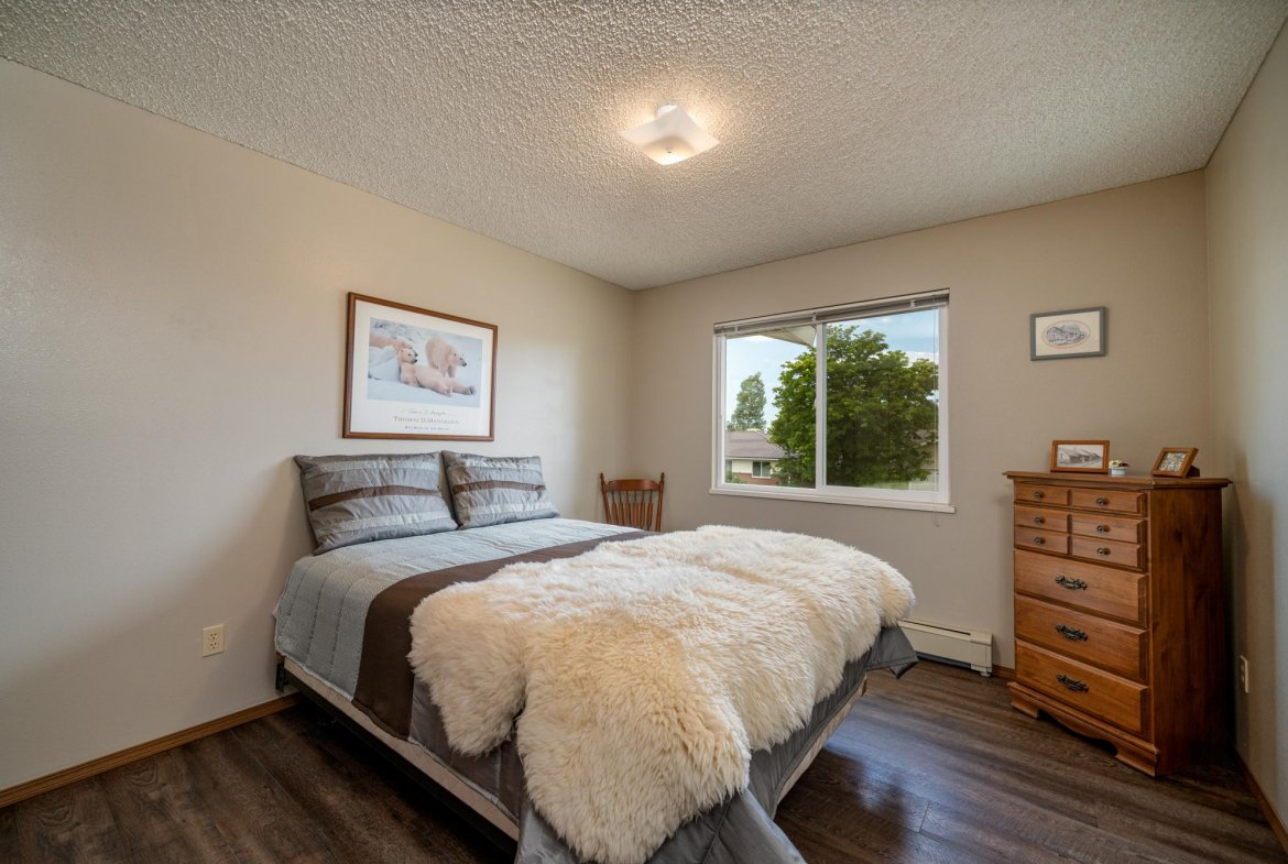 Bedroom with Window - 1311 Manchester Dr Montrose, CO 81401 - Atha Team Realty Agents