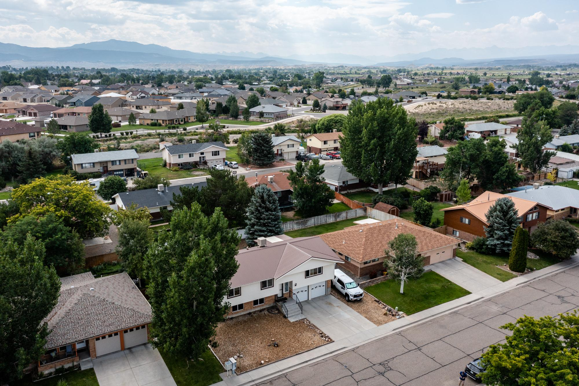 Aerial View of Southern Mountain Views - 1311 Manchester Dr Montrose, CO 81401 - Atha Team Realty Agents