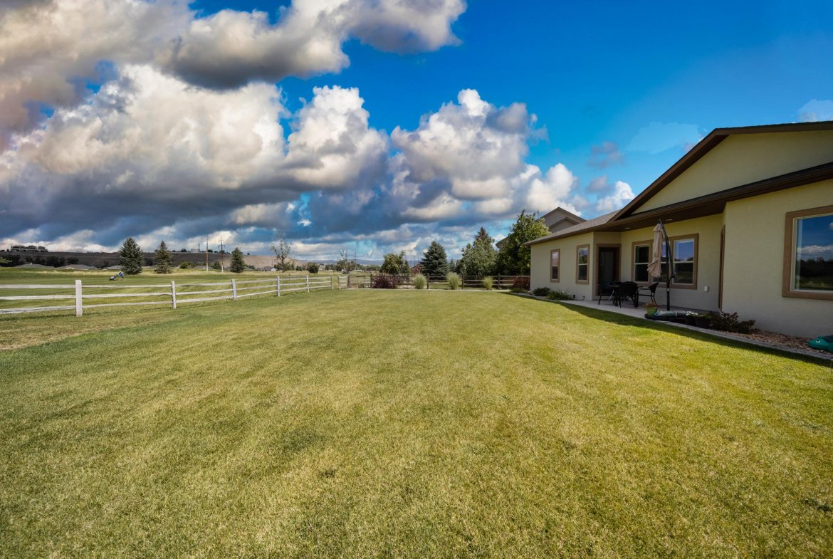 Back Yard Looking to Golf Course - 597 Cobble Dr Montrose, CO - Atha Team MLS Colorado