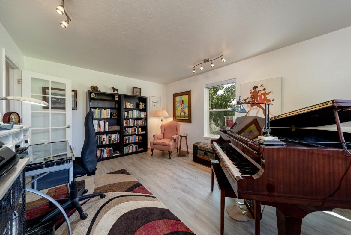 Office with Laminate Flooring - 15552 6120 Rd Montrose, CO 81403 - Atha Team Country Real Estate