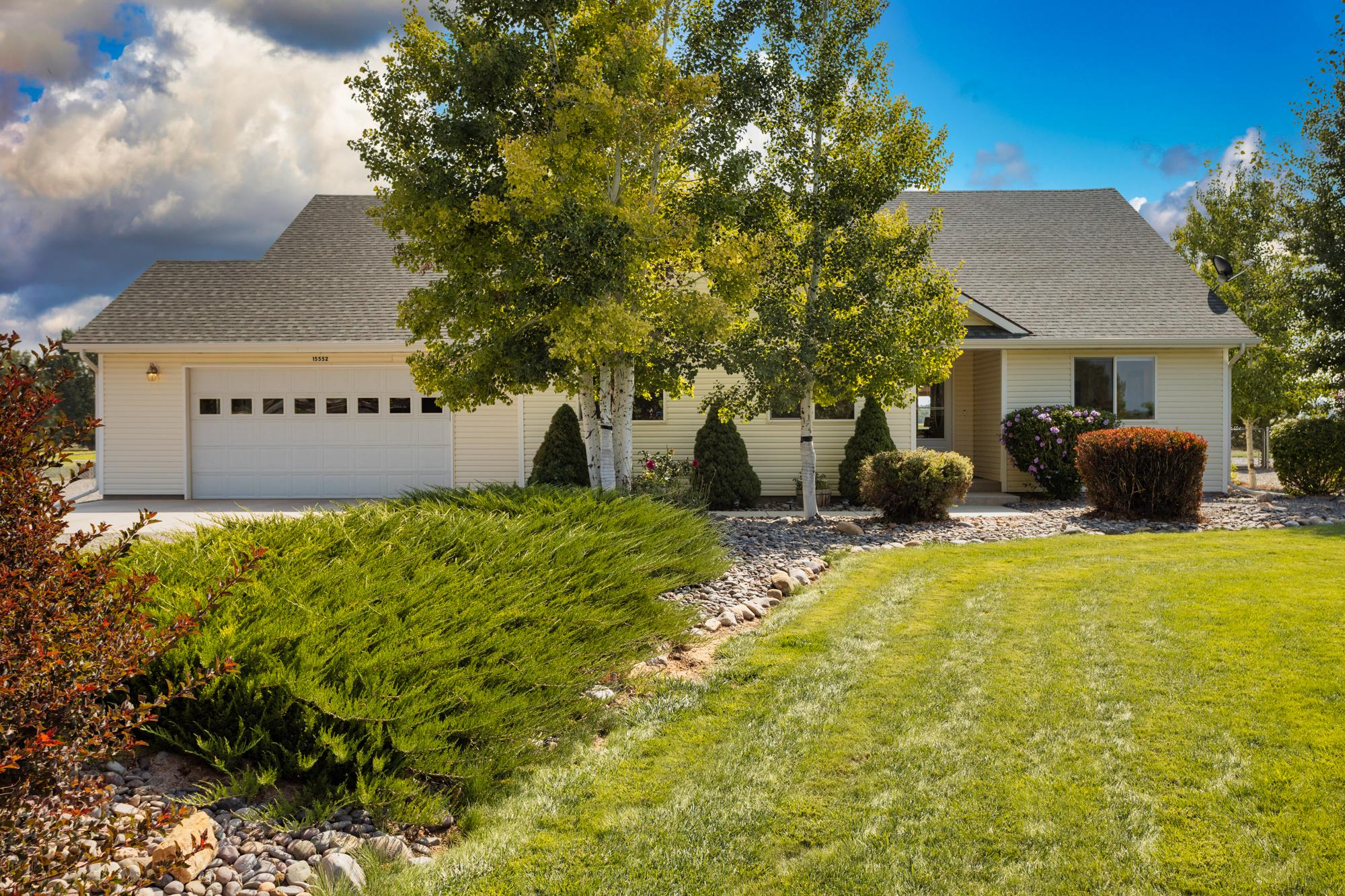 Front Yard Landscaping - 15552 6120 Rd Montrose, CO 81403 - Atha Team Country Real Estate