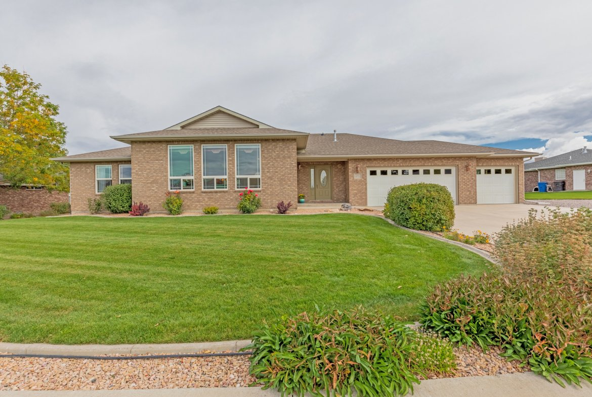 Street View - 2941 Ivy Dr Montrose, CO 81401 - Atha Team Real Estate