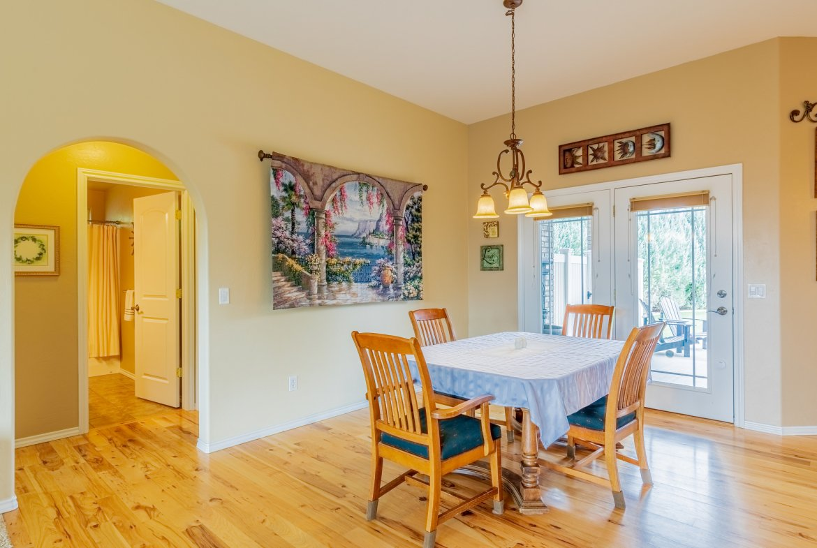 Dining Area - 2941 Ivy Dr Montrose, CO 81401 - Atha Team Real Estate