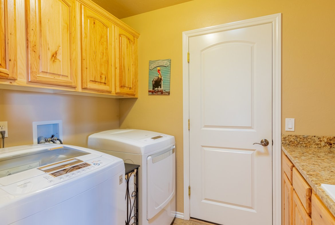 Laundry Room - 2941 Ivy Dr Montrose, CO 81401 - Atha Team Real Estate