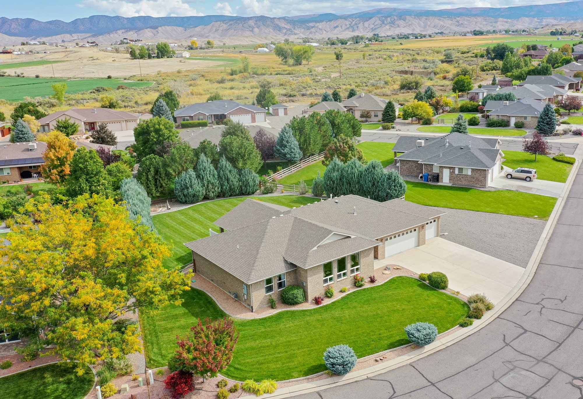 Aerial View Front of Property - 2941 Ivy Dr Montrose, CO 81401 - Atha Team Real Estate