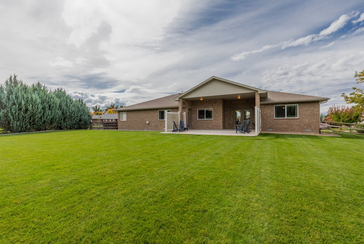 Rear View of Property - 2941 Ivy Dr Montrose, CO 81401 - Atha Team Real Estate