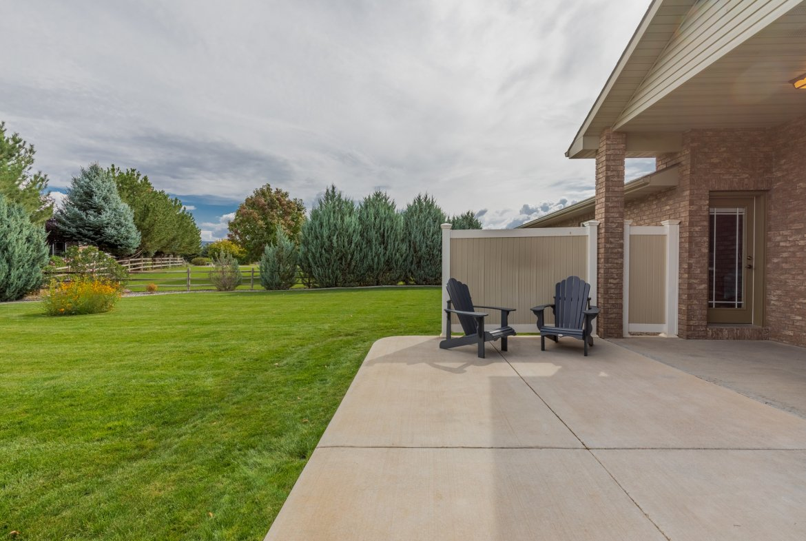 Large Patio and Yard - 2941 Ivy Dr Montrose, CO 81401 - Atha Team Real Estate