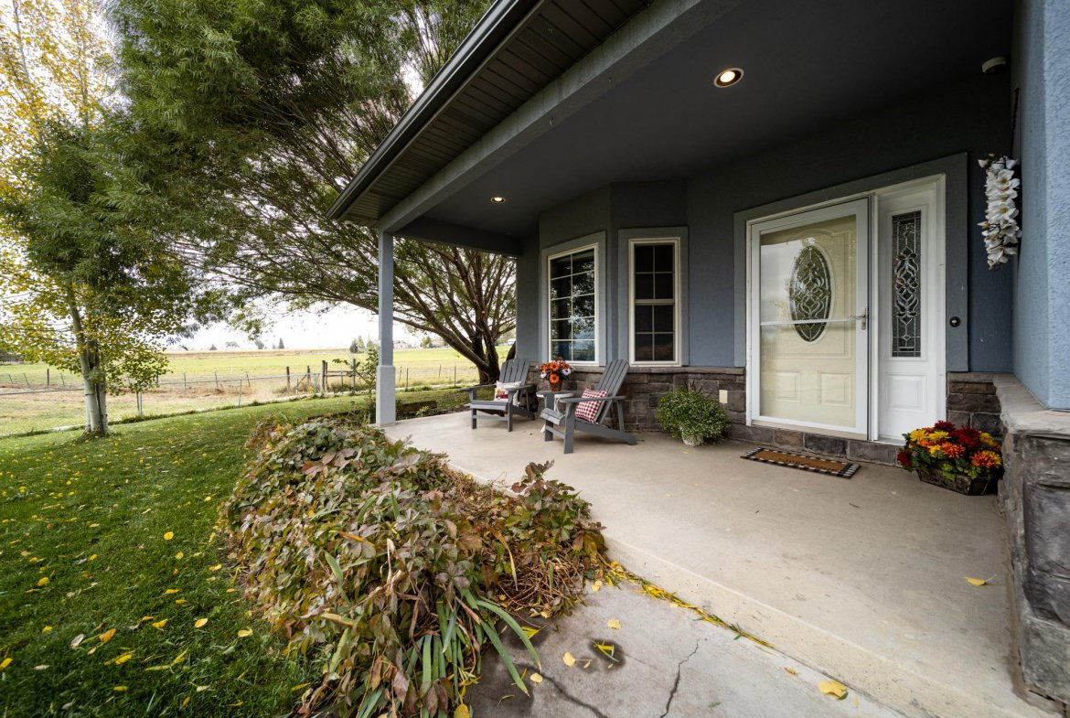 Covered Front Porch - 12703 6100 Rd Montrose, CO 81403 - Atha Team Country Real Estate