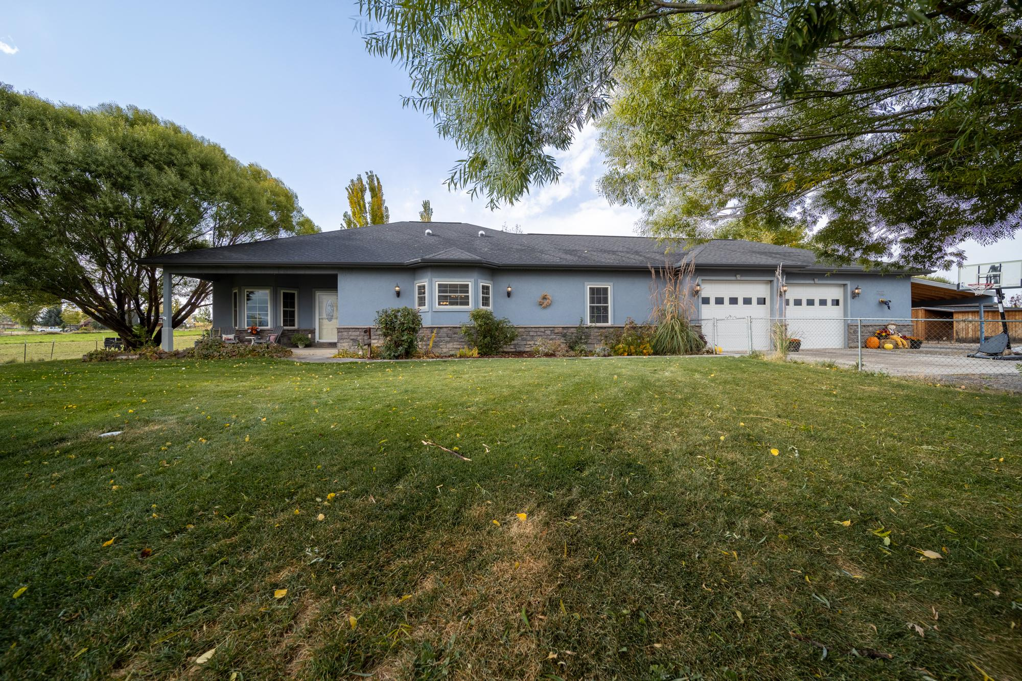 Front of Home for Sale - 12703 6100 Rd Montrose, CO 81403 - Atha Team Country Real Estate