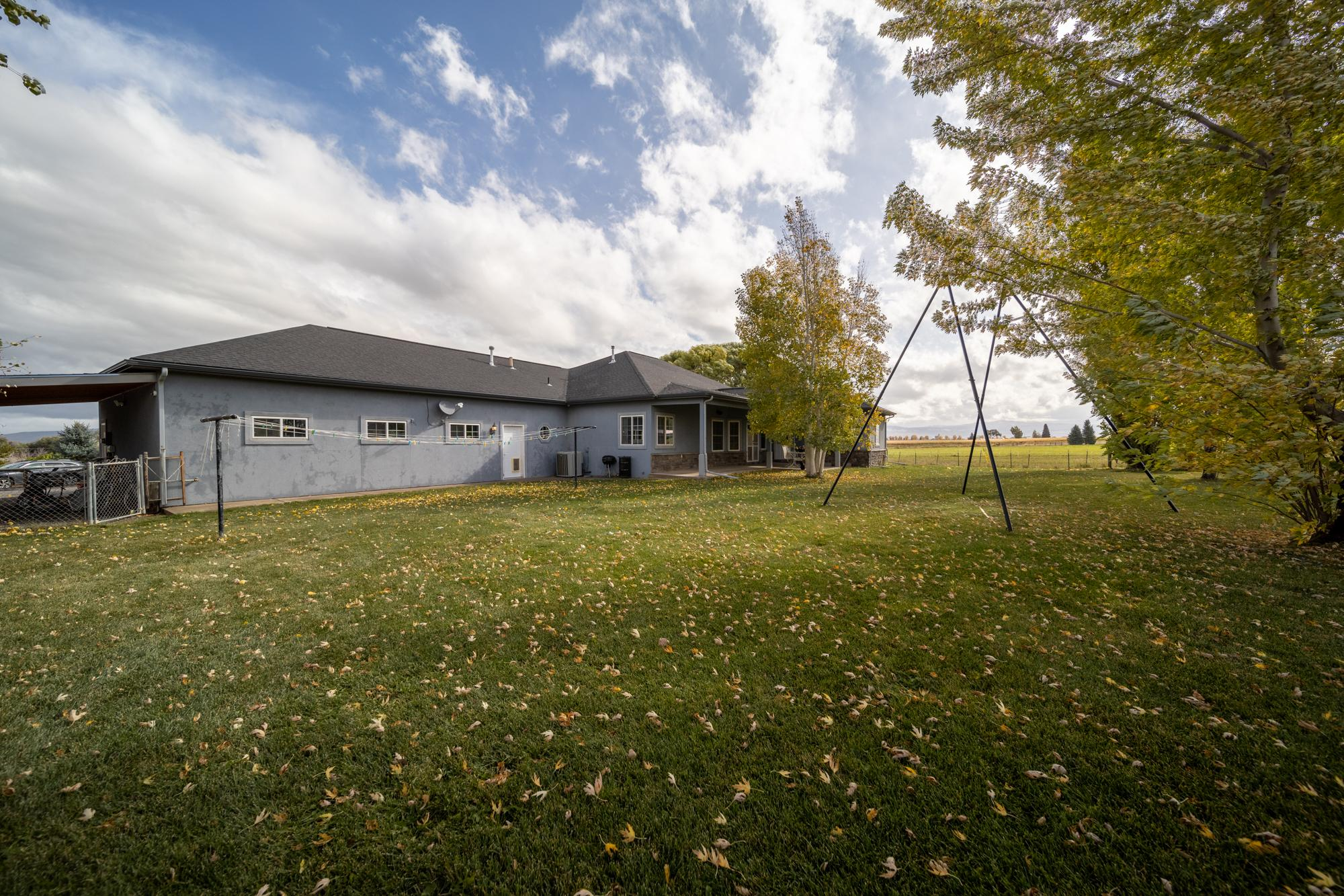 Large Back Yard - 12703 6100 Rd Montrose, CO 81403 - Atha Team Country Real Estate